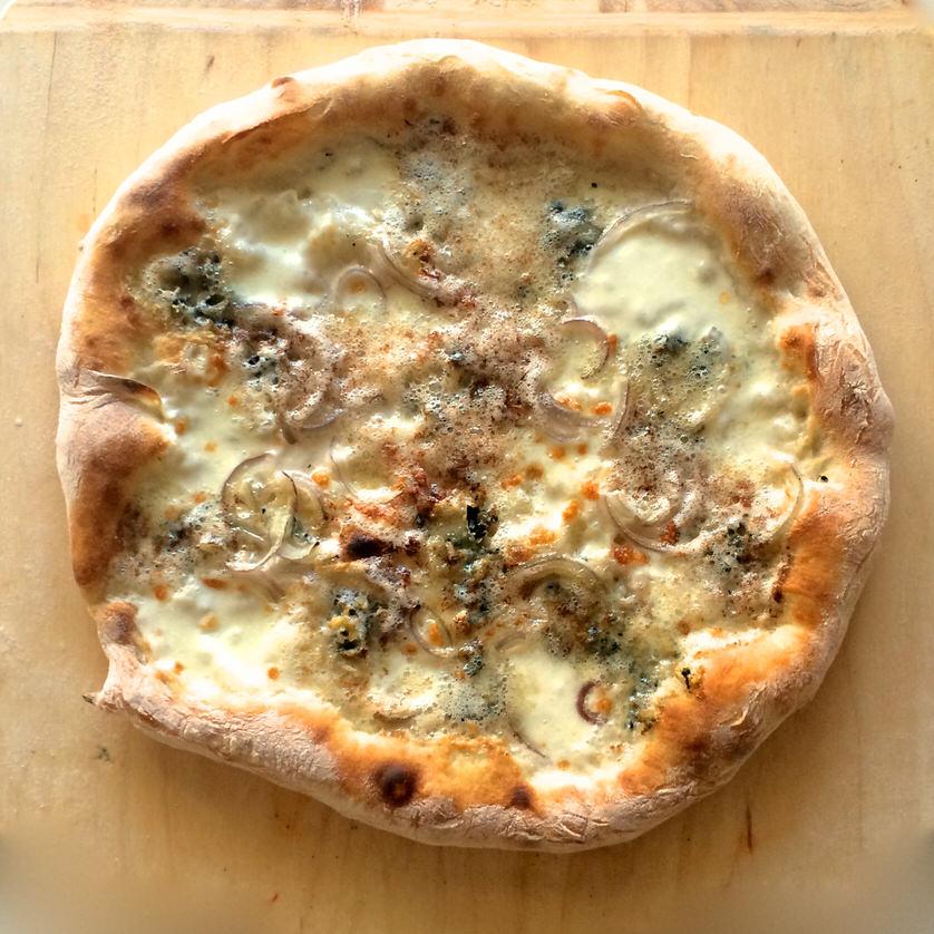 Pizza Bianca με Blue Cheese & Κρεμμύδι