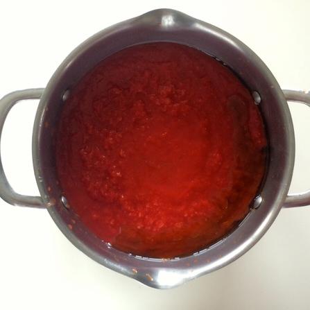 Βασική σάλτσα ντομάτας